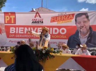 Otra vez agarran a 'huevazos' a Fernández Noroña