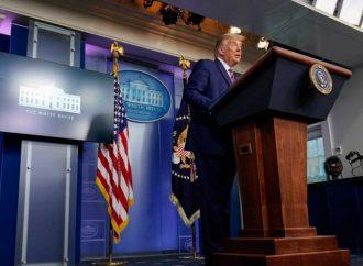 Donald Trump, a la defensiva tras revelación sobre sus impuestos