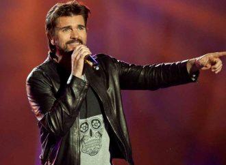 Juanes se roba un coche sin querer y policías lo persiguen