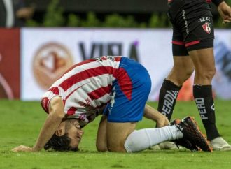 'Pollo' Briseño anuncia que dio positivo de covid-19