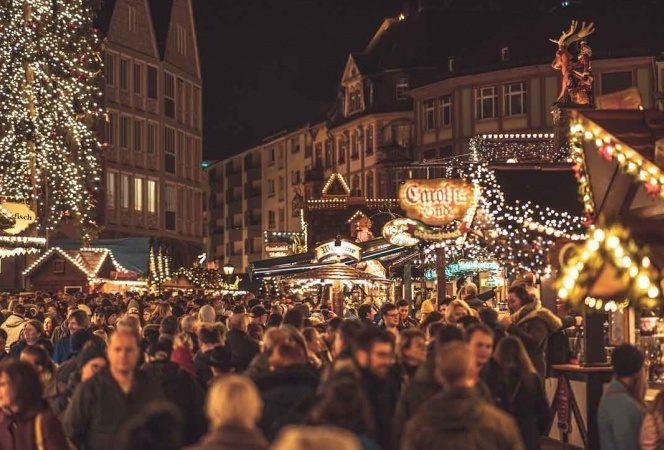 OMS aconseja evitar reuniones en Navidad y no acudir a centros comerciales