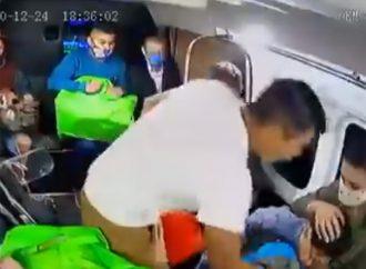 '¿Quién le quita el susto a mi hijo?' Así asaltan en combi de Ecatepec
