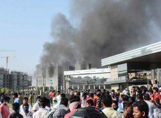 Fotos del incendio en la fábrica de vacunas covid más grande en el mundo