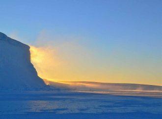 Se registra fuerte sismo de magnitud 7 en la Antártida; evacuan zona