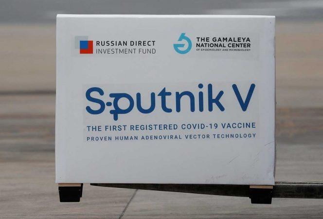Vacuna Sputnik V, 'puesta en órbita con éxito', celebra Rusia