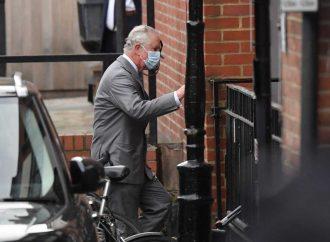 Príncipe Carlos visita al príncipe Felipe en el hospital