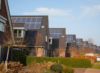 Solis impulsa almacenamiento de energía solar ante apagones