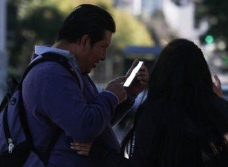 Senado avala entregar datos biométricos al gobierno para uso de celular
