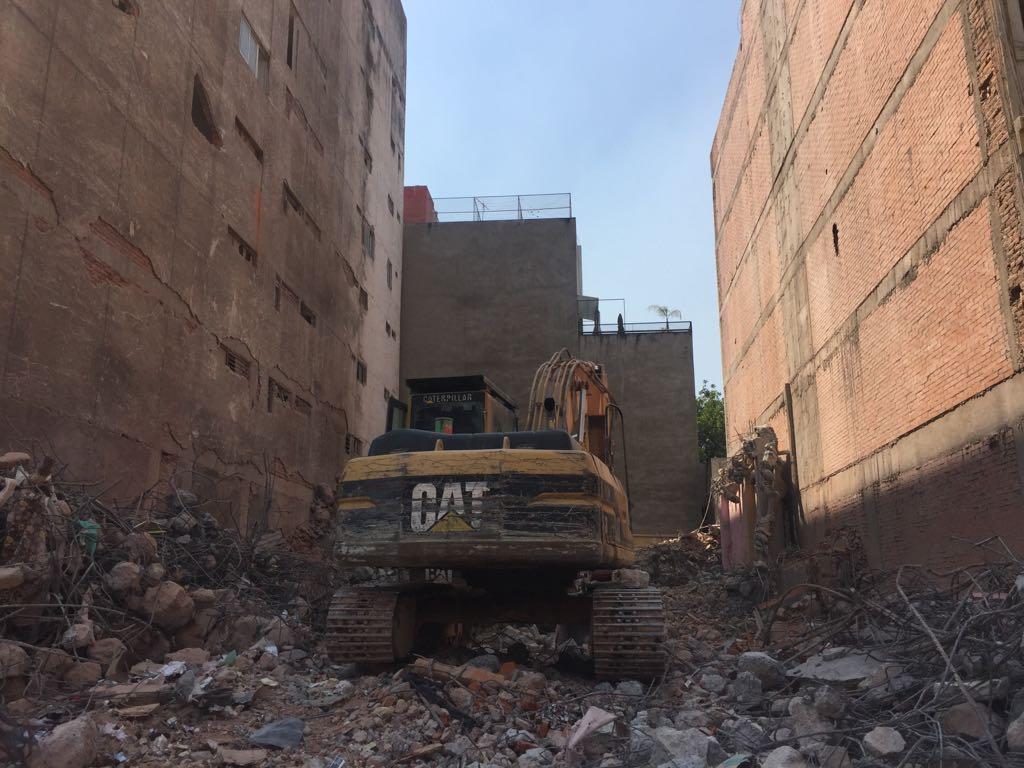 Avanza en CDMX demoliciones, reparación de grietas, escuelas, mercados y calles