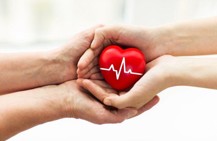 Bajo consentimiento expreso o presunto los adultos mayores son donadores de órganos, tejidos y células para trasplantes