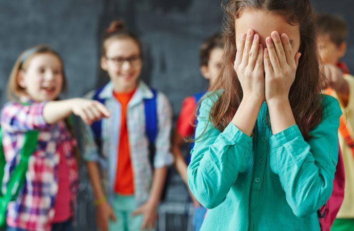 Que escuelas ofrezcan atención psicológica a estudiantes que cometan bullying