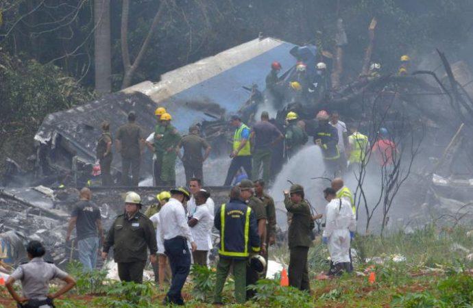 Avión con 104 pasajeros se estrella en Cuba