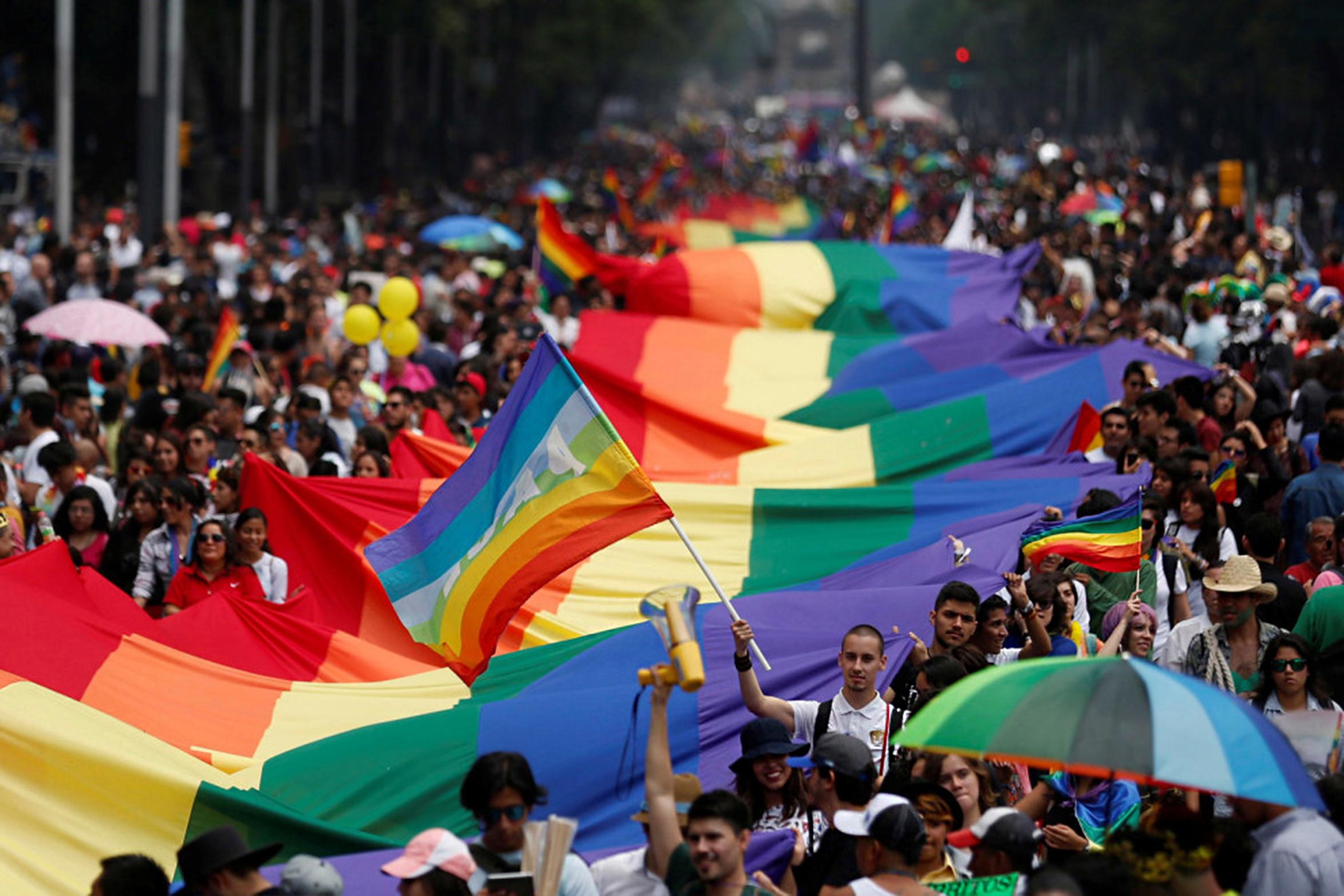 Marcha LGBTTTI cumple 40 años de lucha social y mucho orgullo