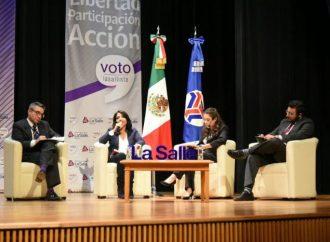 Interactúa Alejandra Barrales con el #VotoLaSallista