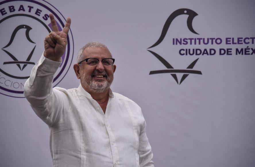 Promete Marco Rascón resolver problema del agua en la capital del país