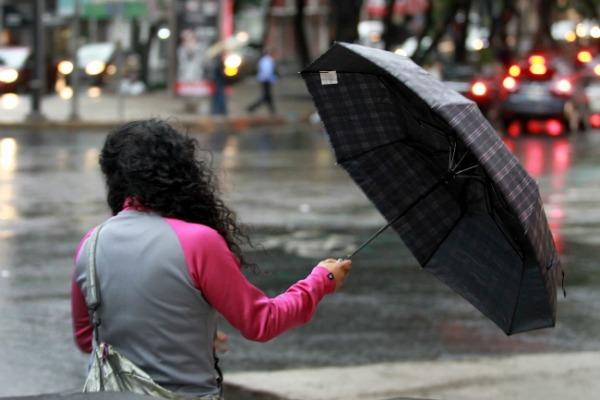 Habrá lluvias ligeras en la tarde y fuertes por la noche en CDMX