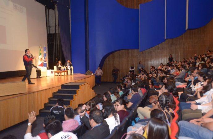 Mikel se reúne con más de 500 estudiantes en La Salle