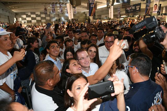 Más de 12 mil personas dan afectuosa bienvenida a Ricardo Anaya en Aguascalientes