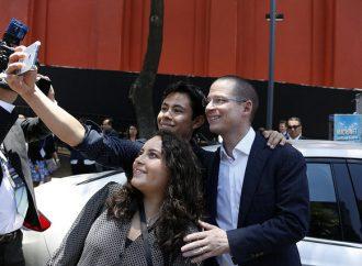 """""""Quiero un cambio profundo para el país, con un gobierno eficaz"""", afirma Ricardo Anaya ante jóvenes"""