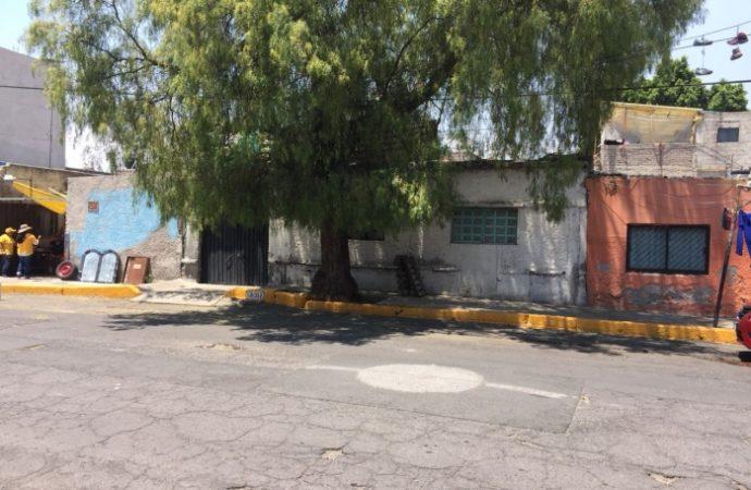 Concluye demolición de casa en alto riesgo de colapso en Gustavo a. Madero