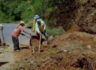 Despliega Junta de Caminos de Edomex personal para atender deslaves por lluvias