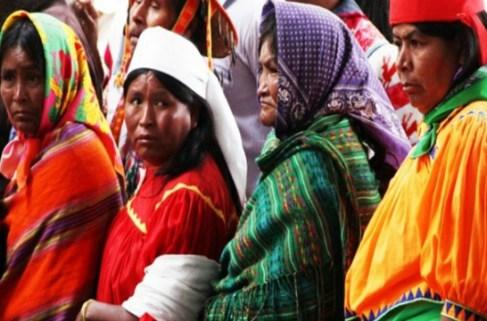 Adultos mayores indígenas, principales transmisores de lenguas originarias