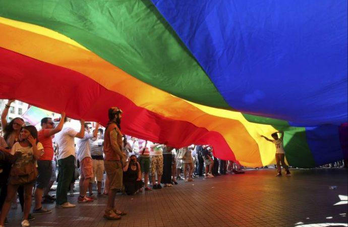 Firma Barrales compromisos con la Comunidad LGBTTTI