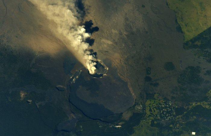 Captan desde el espacio erupción del volcán Kilauea