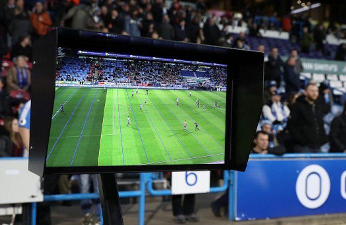 VAR será sólo un apoyo a silbantes en Mundial Rusia 2018, considera FIFA