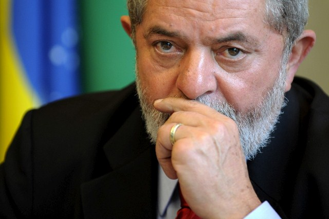 Pide Lula Da Silva libertad o prisión domiciliaria