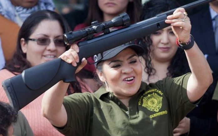 Comisión del INE avala spot del PRI sobre Nestora Salgado