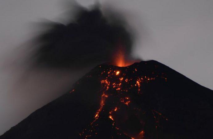 Expertos de la UNAM viajan a Guatemala para apoyar en el monitoreo del Volcán de Fuego