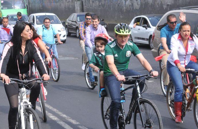 Rodada de Mikel en Iztapalapa a favor del deporte y en contra de las adicciones