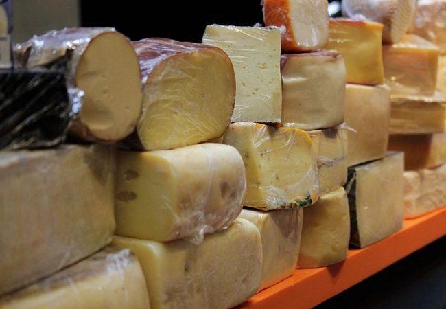 México aplica aranceles al acero, queso, whisky y otros productos de EUA