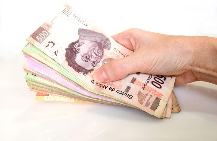 Usuarios de créditos bancarios enfrentan altos costos y bajos rendimientos: CEFP