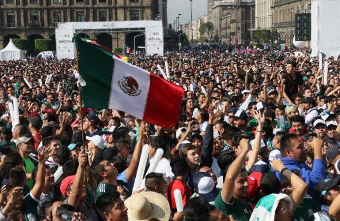 Más de 80 mil visitantes se reúnen en Zócalo capitalino para disfrutar tercer partido de la Selección Nacional