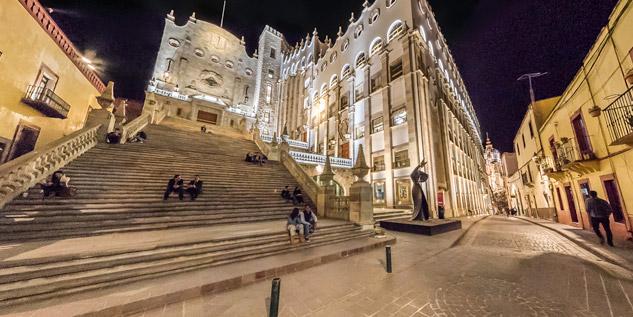 Reforzará la UNAM actividades culturales con la Universidad de Guanajuato