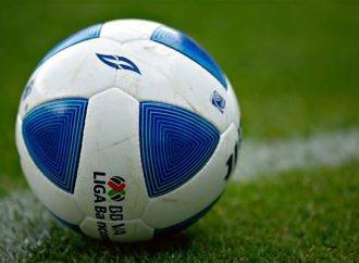 Aeroméxico juega por la igualdad de género en el futbol
