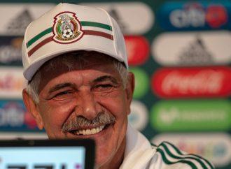 El 'Tuca' Ferretti fue presentado como técnico interino del Tri