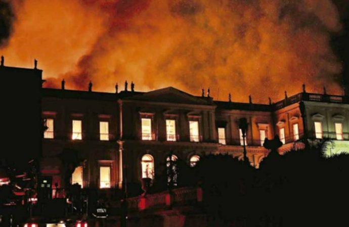 Incendio en Museo Nacional revela crisis en Río de Janeiro
