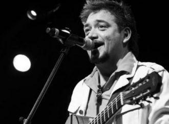 Raúl Ornelas festejará 30 años de carrera con trilogía discográfica