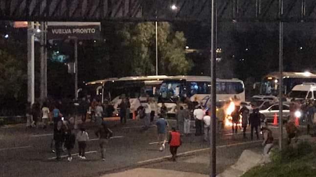Vecinos de San Juanico bloquean Autopista México-Pachuca