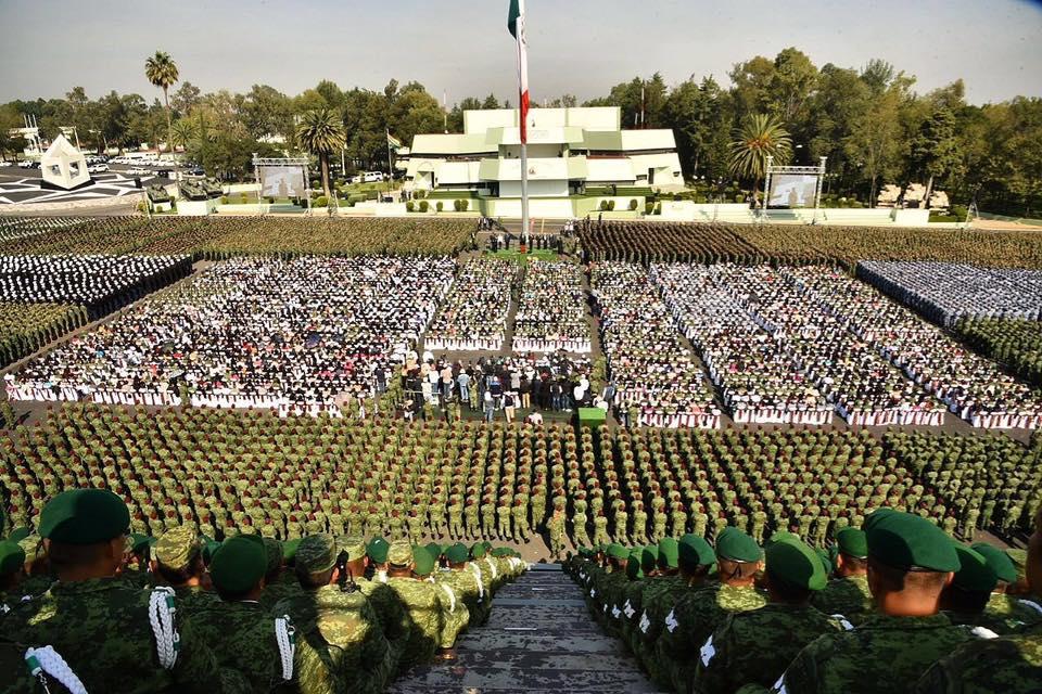 Sheinbaum y AMLO encabezan mitin histórico en la Sedena