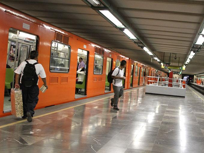 Se registra otro corto circuito en la Línea 2 del Metro