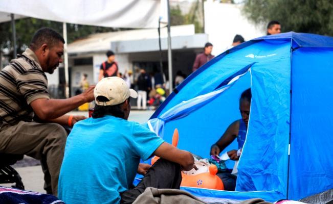 Mañana serían reubicados 650 migrantes que están en Magdalena Mixhuca