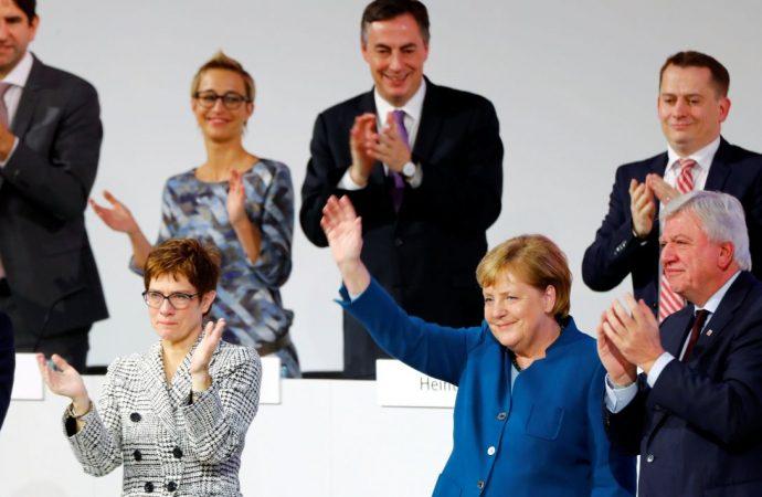 Angela Merkel deja la presidencia de su partido tras 18 años