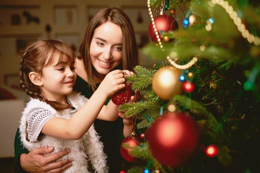 Mayoría de mexicanos buscan descuentos para regalos de Navidad