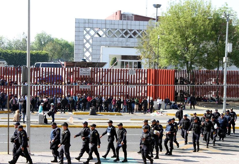 Llaman diputados del PRD evitar confrontación de policías en San Lázaro