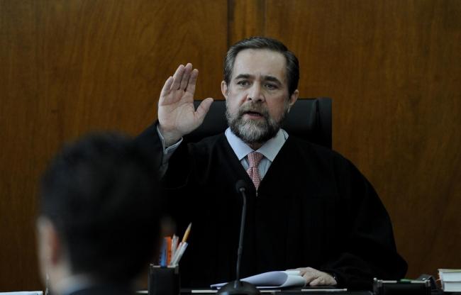 La mejor defensa de los jueces es su prudencia, afirma ministro
