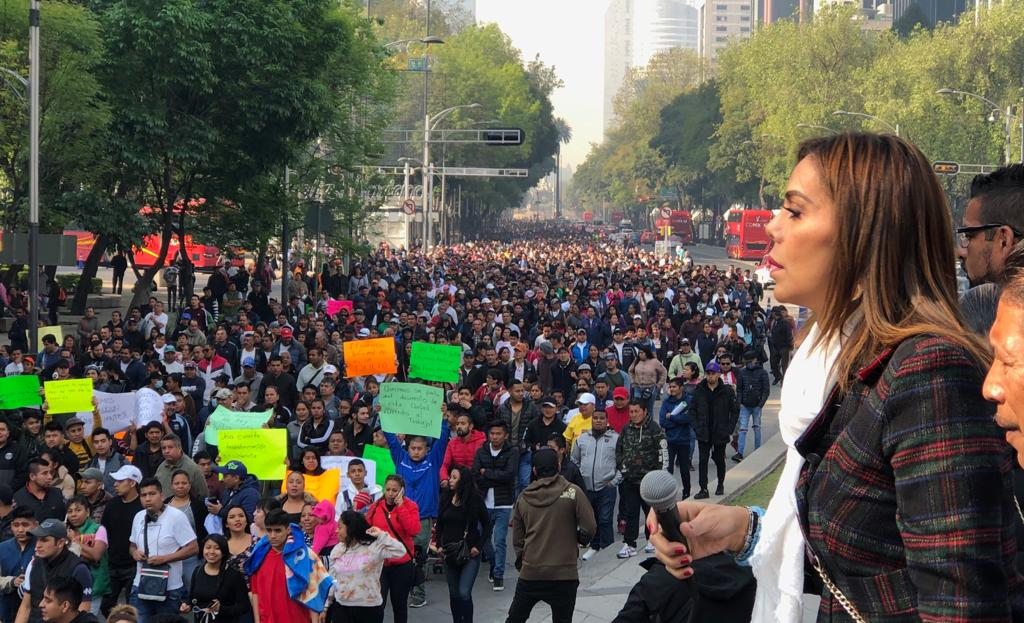 En mega marcha comerciantes piden sean incluidos en la 4ª Transformación